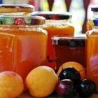 Grove sinaasappelmarmelade met whiskey of sinaasappellikeur