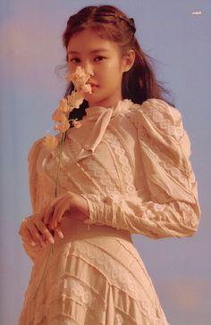 Kim Jennie, Jenny Kim, Kpop Girl Groups, Korean Girl Groups, Kpop Girls, Blackpink Wallpaper, Debut Photoshoot, Blackpink Poster, Blackpink Members