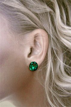 Vintage Emerald Green Austrian Crystal clip earrings. $36.00