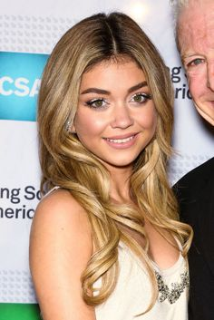 Sarah Hyland's white eye makeup