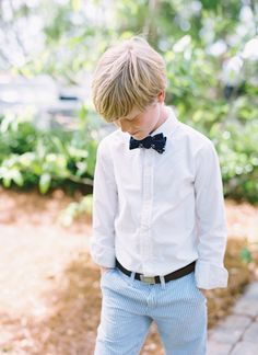 seersucker pants + a bow tie for the ring bearer | Landon Jacob #wedding