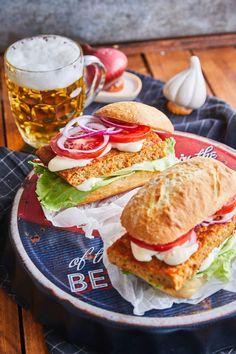 Meatloaf-szendvics   Street Kitchen Ciabatta, Naan, Meatloaf, Hot Dogs, Hamburger, Sandwiches, Kitchen, Diy, Box Lunches