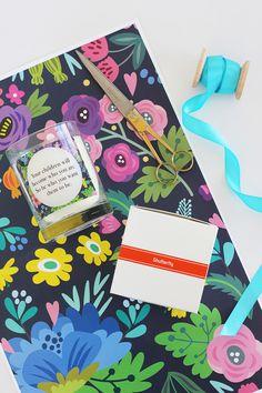 Free printable floral gift wrap!