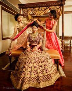 Bride Photos With Bridesmaids! Indian Wedding Photography Poses, Indian Wedding Photos, Indian Bridal Outfits, Bride Photography, Wedding Poses, Wedding Venues, Wedding Dresses, Wedding Shoot, Wedding Lehanga