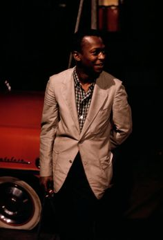 Not just a jazz genius, Miles Davis was also a sartorial chameleon, easily carrying off the Ivy League Look and slim-cut European suits with ass-kicking charm. Francis Wolff, Keith Jarrett, Ivy League Style, Upcoming Concerts, Gq Fashion, Jack Johnson, Miles Davis, Jazz Musicians, Jazz Blues