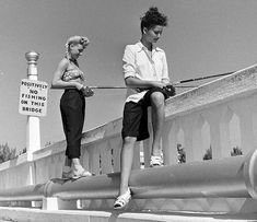 Love the blonde gal's fabulous braided hairstyle. #1940s