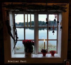 Atelier Kari naturdekorasjoner og kranser Windows, Spaces, Atelier, Window, Ramen