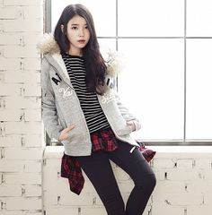 Iu Fashion, Korea Fashion, Asian Fashion, Fashion Outfits, Cute Korean, Korean Girl, Asian Girl, Fall Pants, Korean Actresses