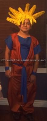 Homemade Goku Anime Costume: My son wanted to be Goku from Dragon Ball Z. I looked everywhere for this Goku guy, and no luck. Goku Costume, Anime Costumes, Halloween Costumes, Homemade Costumes, Dragon Ball Z, How To Look Pretty, Guys, Cool Stuff, Collection
