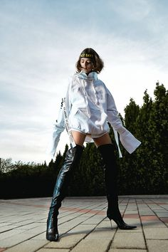 Concepto's sweatshirt dresses were crafted with stylish lazy days in mind. BH6 is the perfect hoodie meets shirt combination that will allow you to showcase an urban sophisticated look. Wear it as a comfortable separate with thigh high boots or combine it with jeans for a casual brunch date. Lazy Days, Sweatshirt Dress, Thigh High Boots, Hoodies, Sweatshirts, Thigh Highs, Separate, Madness, Brunch