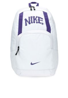 Trendy and smart, the Classic Sand backpack from Nike makes the perfect choice for all day casual use. #Namshi #backpacks