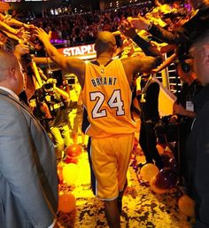 "He left like a LEGEND. Source Mamba Out! 🐍 Source Number … Continue reading ""Top 100 Kobe Bryant part 2 photos"" Kobe Bryant And Wife, Kobe Bryant Family, Kobe Bryant 8, Lakers Kobe Bryant, Bryant Basketball, Love And Basketball, Basketball Players, Basketball Pictures, Kobe Bryant Quotes"