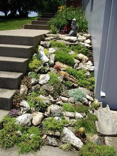 28 awesome front yard rock garden landscaping ideas DIY Garden Yard Art When growing your own lawn y Rockery Garden, Xeriscaping, Sloped Garden, Gravel Garden, Garden Water, Terrace Garden, Landscaping With Rocks, Front Yard Landscaping, Landscaping Ideas