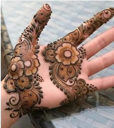 50 Most Beautiful Looking Teej Mehndi Design (Teej Henna Design) that you will love to try on Teej Festival. Easy Mehndi Designs, Latest Mehndi Designs, Henna Tattoo Designs, Mandala Tattoo Design, Henna Tattoos, Palm Henna Designs, Henna Tattoo Muster, Palm Mehndi Design, Mehndi Designs For Girls