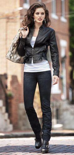 Emily Didonato. Irish-Italian model from New York. I'd love to look like her. Beautiful!