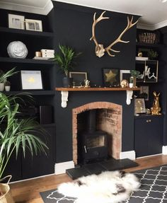 Home Decoration With Paper Flowers Home Living Room, Living Room Designs, Living Room Decor, Living Spaces, Chimney Decor, Dark Interiors, Living Room Inspiration, Family Room, New Homes