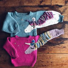 Ravelry: Fabel Sweater pattern by Thea Rytter Vaskavulla Knit Knitting Blogs, Sweater Knitting Patterns, Knitting For Kids, Sewing For Kids, Knitting Projects, Baby Knitting, Lang Yarns, Knitted Gloves, Baby Sweaters