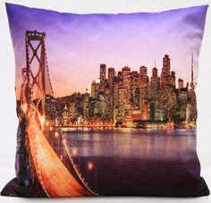Poszewka na poduszkę w kolorze fioletowym z ognistym mostem