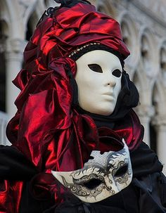 red.quenalbertini: Venetian mask