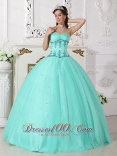 Where can i find cheap quinceanera dresses? A great collection of designer quinceanera dresses, including sweet 15 dresses, quinceanera gowns for young girls at formal events at discount price. Sweet Sixteen Dresses, Sweet 15 Dresses, Sweet Dress, Cheap Dresses, Pretty Dresses, Turquoise Quinceanera Dresses, Pretty Quinceanera Dresses, Quinceanera Party, Evening Dresses