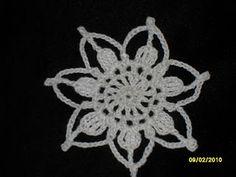 Cynthia's Cynfully Spiffy Stuff: Crochet Snow Flower Ornament Pattern
