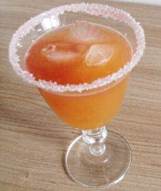 """Cocktail sans alcool """"L'indien""""     2 cl de sirop de grenadine 20 cl d'Orangina"""