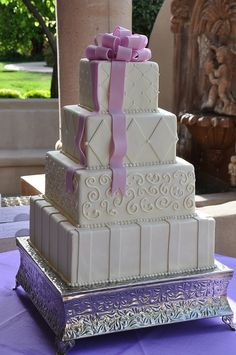 Ivory and Lavender by Designer Cakes By April, via Flickr