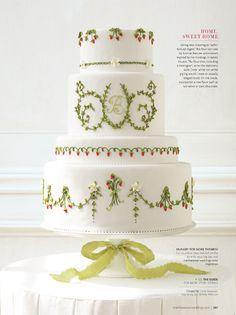 Berry cake, possible for a Christmas wedding. | @Martha Stewart Weddings Magazine. ᘡղbᘠ