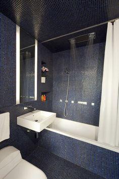 modern bathroom by Studio Garneau