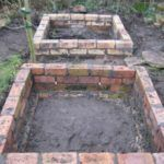 garden care vegetable 9 New amp; Different Uses For Reclaimed Bricks That You Havent Thought Of old vintage brick garden beds Raised Garden Bed Plans, Building A Raised Garden, Raised Beds, Raised Bedroom, Raised Garden Planters, Garden Care, Recycled Brick, Recycled Garden, Brick Garden