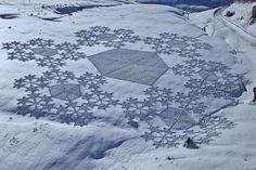 Incredible Trampled Snow Art by Simon Beck | Bored Panda