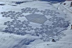 Incredible Trampled Snow Art by Simon Beck | Bored Panda