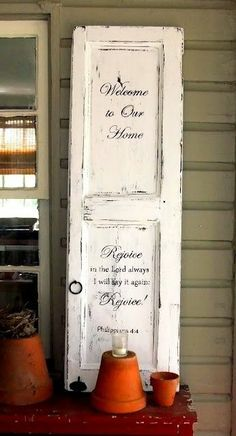 25 Crafty Old Door Vintage Decorations To Boost The Charm Of Your Rustic House 💐 Shabby Chic Project Decor Ideas 💐 Repurposed Furniture, Painted Furniture, Diy Furniture, Repurposed Doors, Salvaged Doors, Decoration Shabby, Vintage Decorations, Vintage Door Decor, Old Door Decor