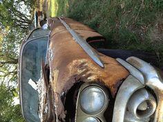 Old rusty car :]
