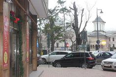 Vedere de la intrarea in Galeriile Excelsior spre Biserica Coltea Street View