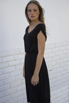 V-Neck Dress with Shoulder Rushing Black Short Sleeve Dresses, Dresses With Sleeves, V Neck Dress, Cape Town, Shoulder, Collection, Black, Fashion, Moda