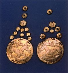 KAROS_HAJFONAT KORONG Ancient Civilizations, Craft Projects, Decorative Plates, Personalized Items, History, Crafts, Google, Historia, Manualidades