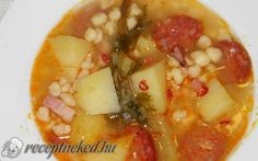 Kolbászos tarhonyás krumplileves recept fotóval Goulash, Empanadas, Pho, Cheeseburger Chowder, Stew, Cantaloupe, Salsa, Oatmeal, Curry