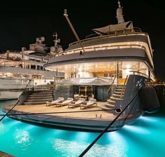 5 Best Superyacht Sidekicks You Need to Know - Luxury Life Top Hotels, Best Hotels, Dj Photos, Luxury Dining Room, Paris Design, Sit Back And Relax, Showcase Design, Luxury Lifestyle, Modern Design
