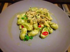 Think over, eat smart!: Gnocchi cu crema de ciuperci