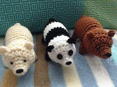 We Crawl Bears | The Duchess' Hands - free crochet pattern