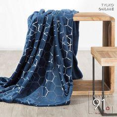 Nowoczesna sypialnia kocha nowoczesne dodatki Throw Rugs, Blanket, Design, Products, Area Rugs, Blankets, Cover, Comforters