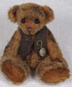 EDWIN by By Valewood Bears | Bear Pile