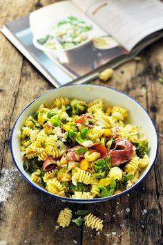 Radiatori pasta with vegetables - Recipe in English...