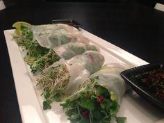 Miron lihaisat vietnamilaiset rullat Cabbage, Vegetables, Food, Vegetable Recipes, Eten, Veggie Food, Cabbages, Meals, Collard Greens