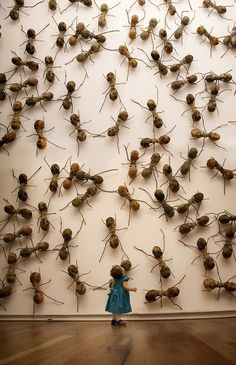 ART: Invasive Ant Art Installations by Rafael Gómezbarros This is equally terrifying as it is oddly amusing. Since sculptor Rafael Gómezbarros has brought his invasive swarm of giant ants to pub Ant Art, Modern Art, Contemporary Art, Art Public, Instalation Art, 3d Fantasy, Insect Art, Pics Art, Art Plastique