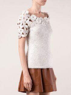 Outstanding Crochet: Designer: Oscar de la Renta