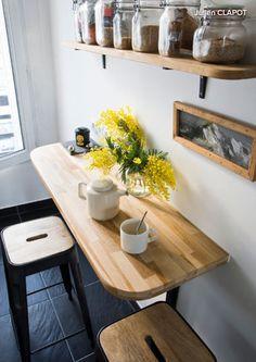 concept for fridge corner? if no window, could add shelves? Home Decor Kitchen, Kitchen Interior, New Kitchen, Home Kitchens, Kitchen Ideas, Tiny Kitchens, Island Kitchen, Kitchen Cabinets, Small Kitchen Tables