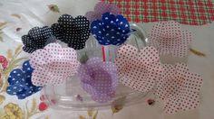 Forminha para doces em tecido de bolinha e coração para casamento, festas e eventos. Base 7cm por 4cm.