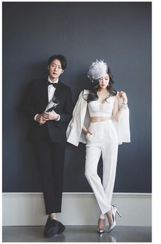 Killer all-white formal outfit~ High rise pleated trousers with crop top and blazer. Accessorized with silver heels, statement jewelry and a fascinator. Star Awards, Silver Heels, Slim Fit Pants, All White, Statement Jewelry, Fascinator, Black Pants, Fashion Inspiration, Personal Style